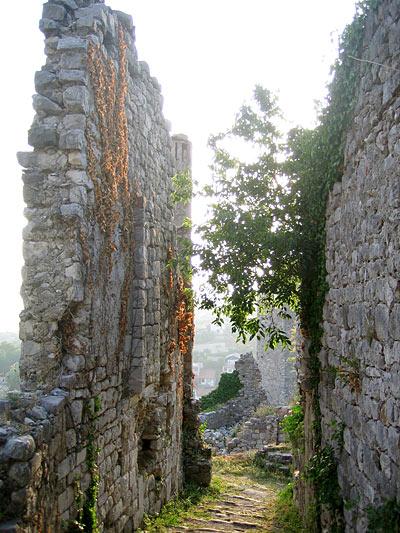 Стены / Фото из Черногории