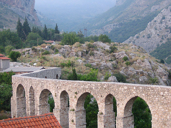 Акведук / Фото из Черногории