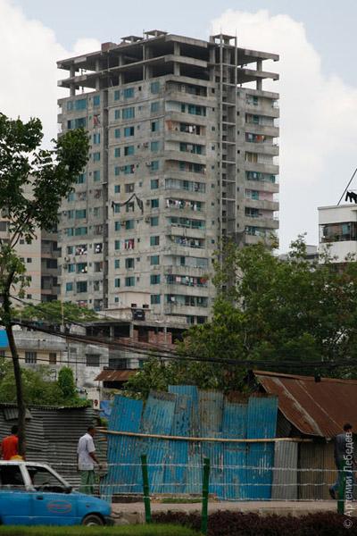 Жизнь в недостроенном доме / Фото из Бангладеш