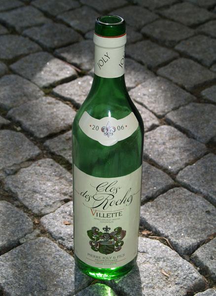 У каждого винодела - своя бутылка / Фото из Швейцарии