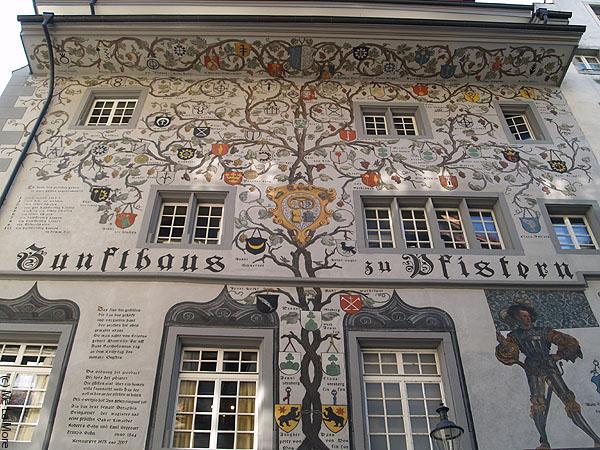 Генеалогическое древо этого дома / Фото из Швейцарии