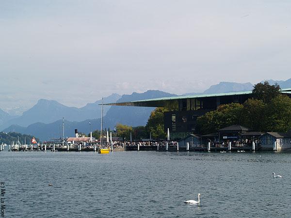 Крыша самого дорогого в мире современного концертного зала / Фото из Швейцарии
