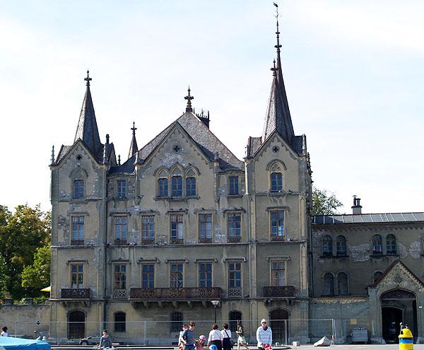 Замок de l'Aile на берегу Женевского озера / Фото из Швейцарии