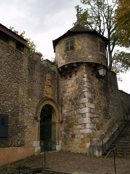 Вход в крепость / Фото из Швейцарии