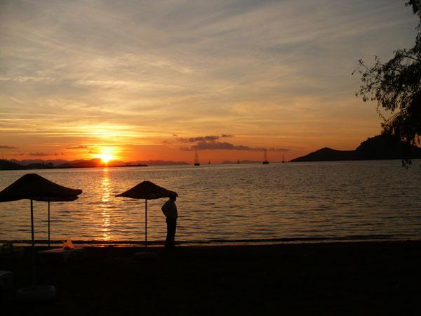 Ялыкавак. Закат на пляже / Фото из Турции
