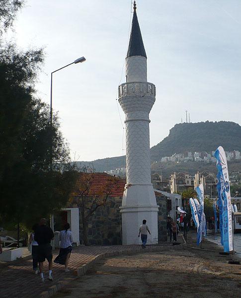 Гюндоан. Береговой минарет / Фото из Турции
