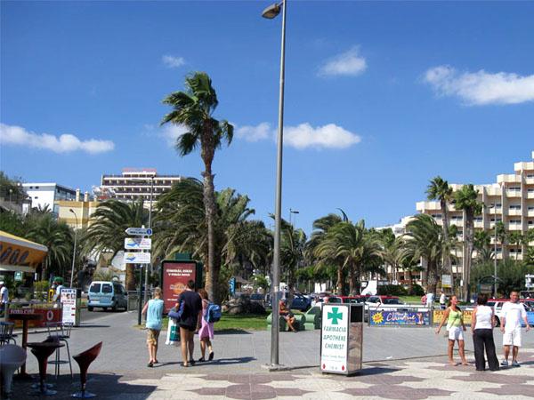 Cтандартная улица Маспаломаса в дневное время / Фото из Испании