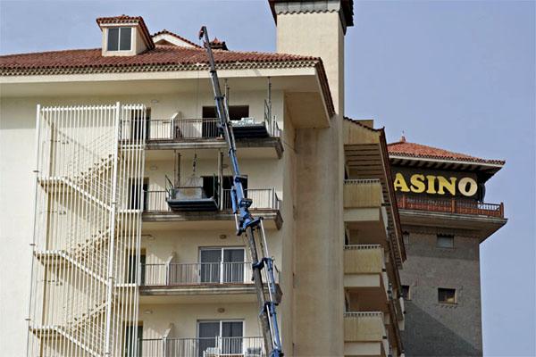 Вот так выглядел ремонт в Melia Tamarindos / Фото из Испании