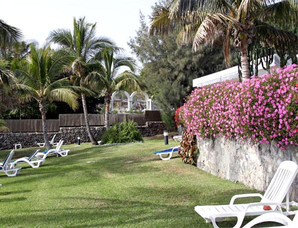 На территории отеля / Фото из Испании