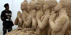 В Таиланде - фестиваль песчаных скульптур в честь дня рождения короля