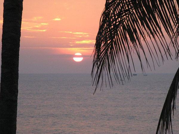 Закат на побережье Индийского океана / Фото со Шри-Ланки