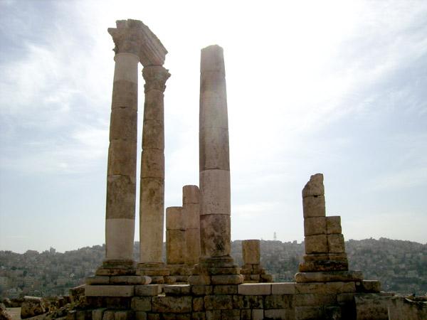 Живописные руины Иордании / Фото из Иордании