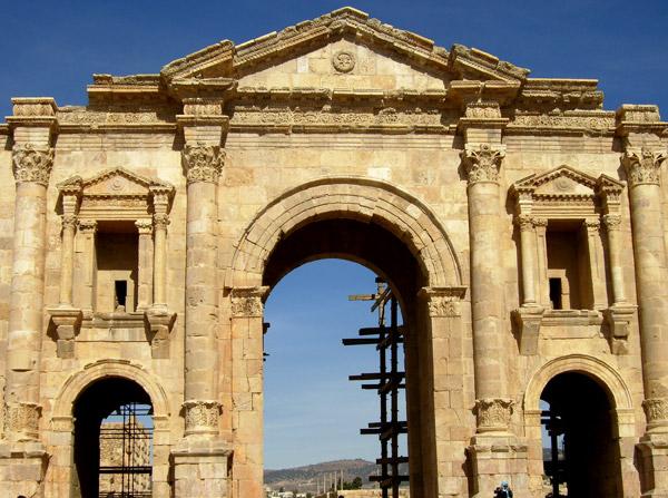 Сохранившееся сооружение / Фото из Иордании