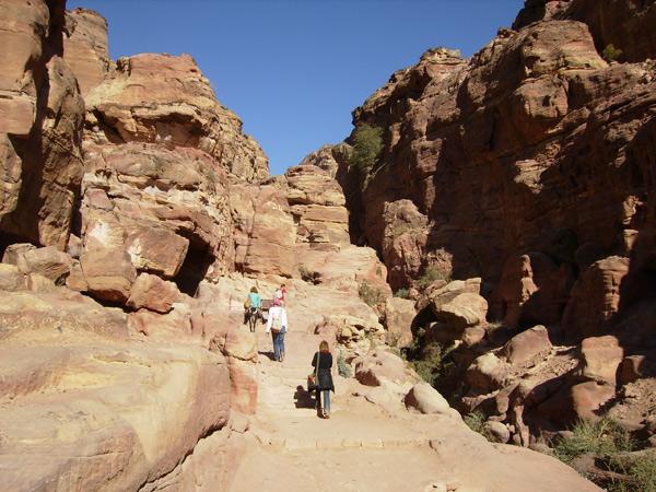 Путь к 'верхнему' храму / Фото из Иордании