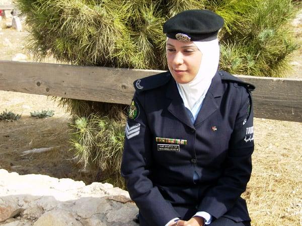 Туристическая полиция всегда рада помочь / Фото из Иордании