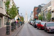 Рейкьявик. Церковь ракета и машина, пробитая гигантским гвоздём / Исландия