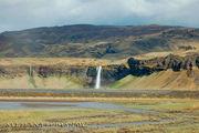 Водопад, забираясь на который, я упала / Исландия
