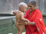 бабушка рада... / Индия