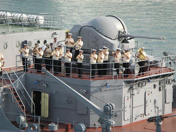 Корабль Черноморского флота России в Пирее / Фото из Греции