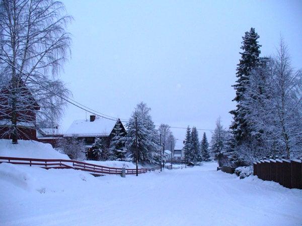 Дорога от отеля к центру Лиллехаммера / Фото из Норвегии