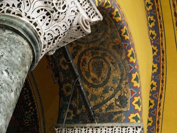 Мозаика и краска / Фото из Турции