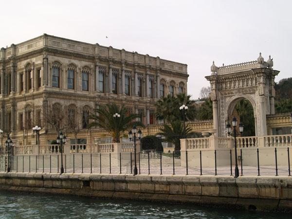 Дворец Чириган / Фото из Турции
