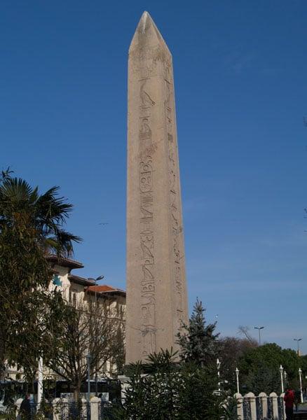 Египетский обелиск / Фото из Турции
