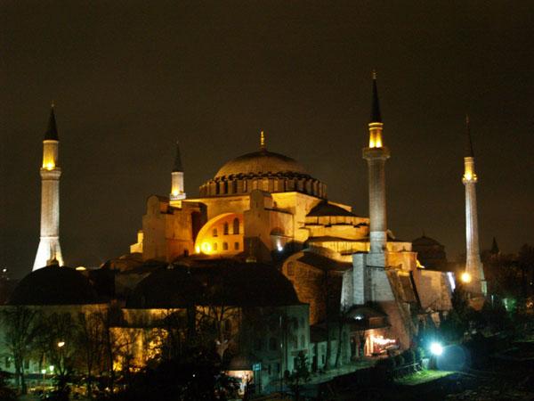 Айя-София ночью / Фото из Турции