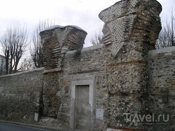 Древние развалины на холме Фурвьер / Фото из Франции