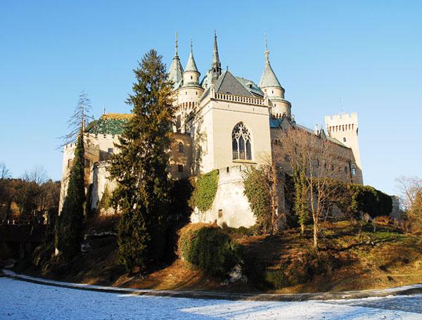 Каждый ракурс Бойницкого замка неповторим / Фото из Словакии