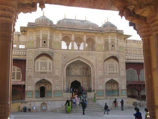 Вход во дворец / Фото из Индии