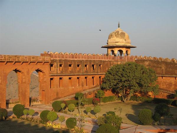 Джайгарх - шедевр фортификационного мастерства / Фото из Индии