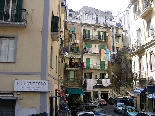 Улочка города / Фото из Италии