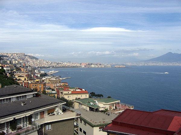 Неаполь с холма Позиллипо / Фото из Италии