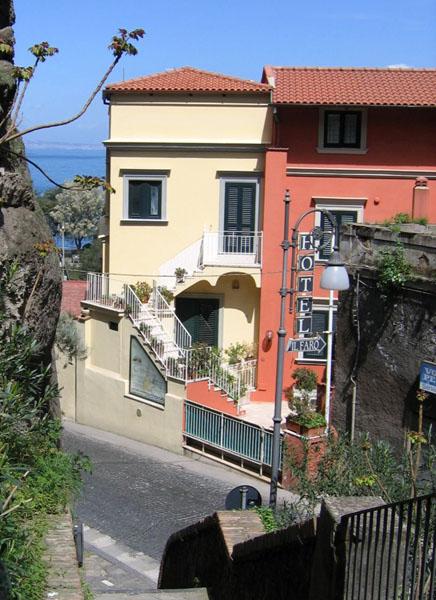 Соррентийская улочка / Фото из Италии