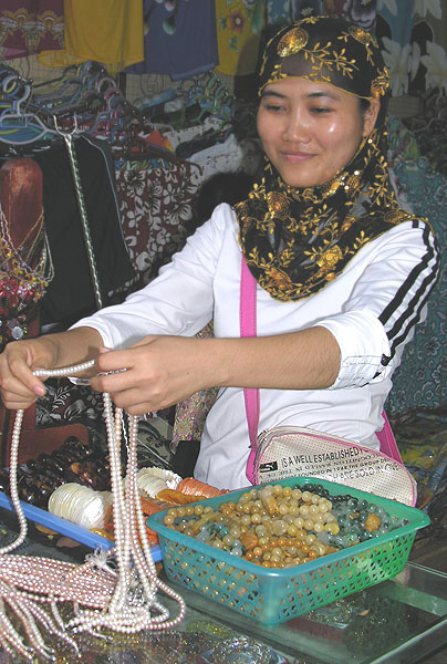 Очередной магазин с жемчугом, Хайнань / Фото из Китая