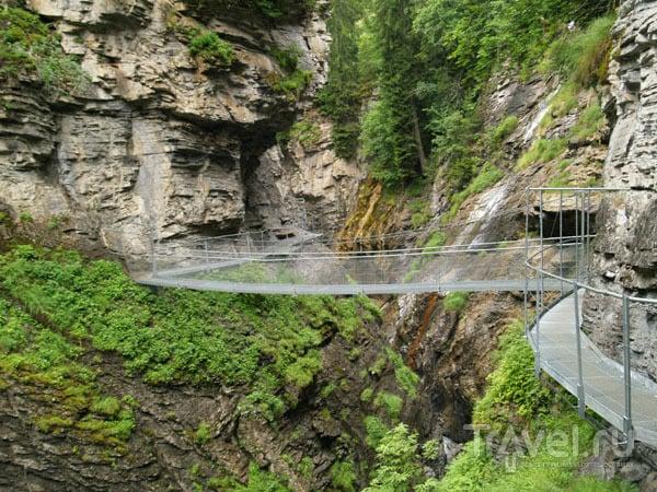 Мост через каньон / Фото из Швейцарии