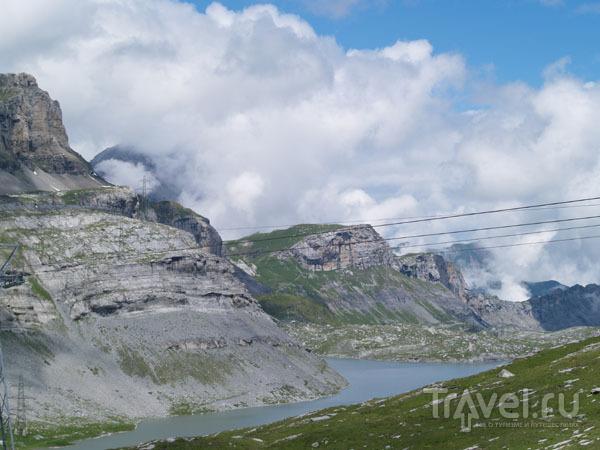 Перевал Гемми и озеро Даубензее / Фото из Швейцарии