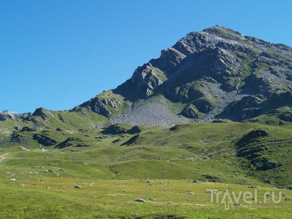 Луга и скалы в Вербье / Фото из Швейцарии