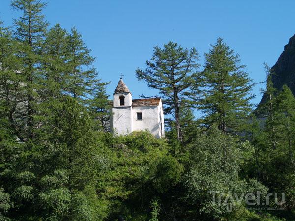 Горная церквушка / Фото из Швейцарии