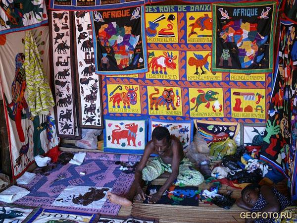 Изделия бенинских ткачей / Фото из Бенина