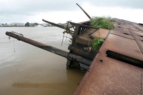 """В порту Парамарибо стоял немецкий корабль """"Гослар""""... / Фото из Суринама"""