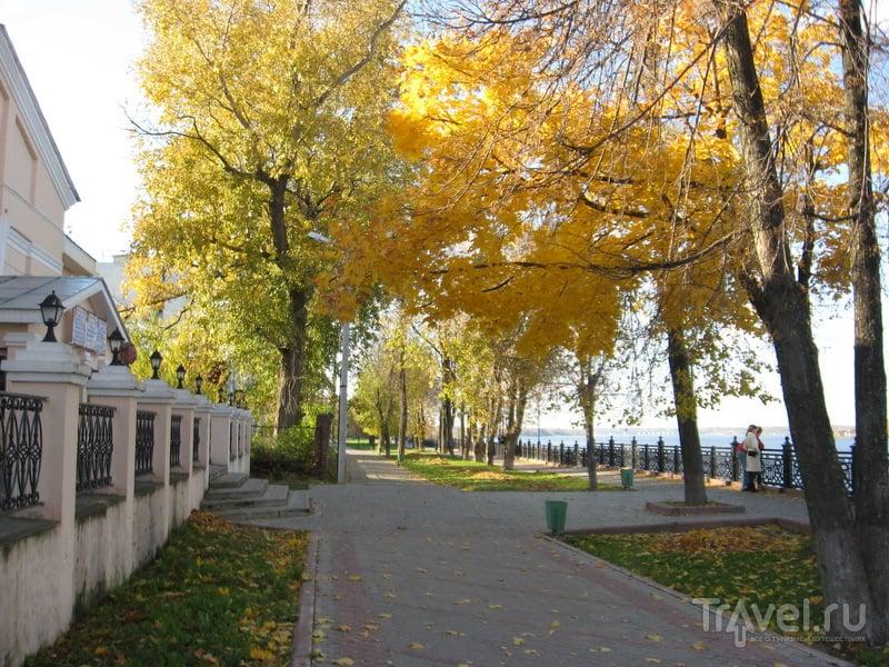 Волжский бульвар осенью