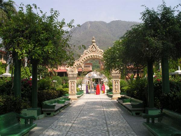 Парк в ашраме, Ришикеш / Фото из Индии