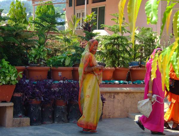 Индианки в ашраме / Фото из Индии