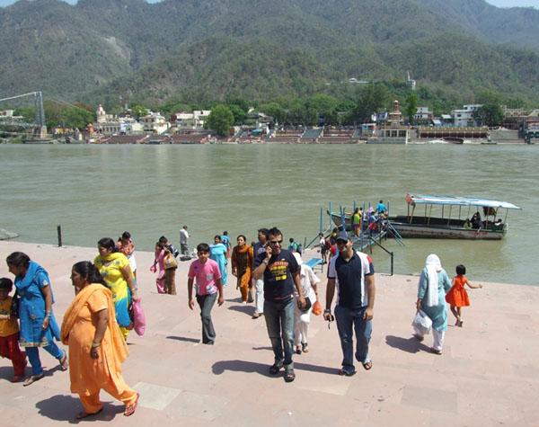 Переправа через Ганг в Ришикеше / Фото из Индии