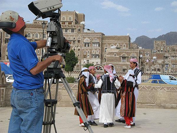 Детишки, исполняющие национальные танцы / Фото из Йемена