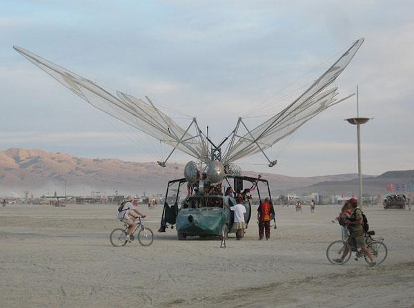 Машины-мутанты - единственные автомобили на фестивале Burning Man / Фото из США