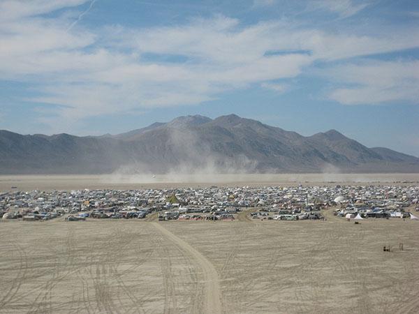 В пустыне Невады собираются 50 тысяч человек / Фото из США