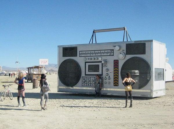 Самовыражение - в музыке, в одежде, повсюду / Фото из США